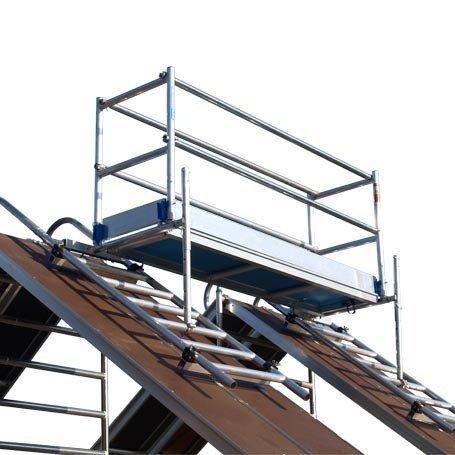 Dak en schoorsteen steigers
